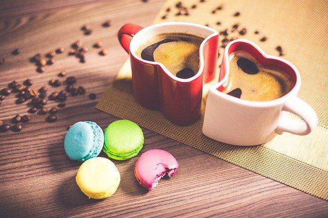 káva a dortíky.jpg